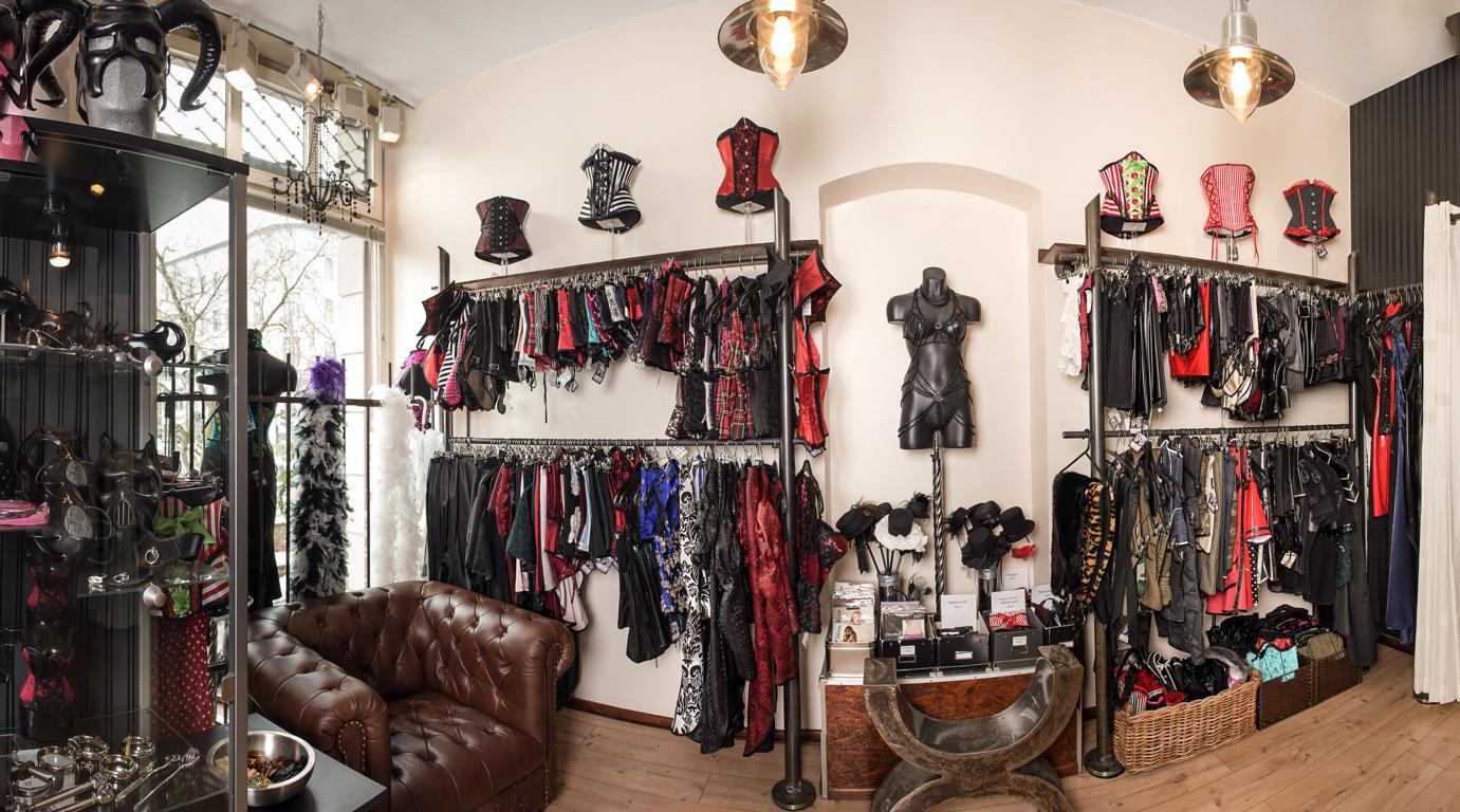 Bild von unseren Korsetts und exklusiven Kleidungsstücken